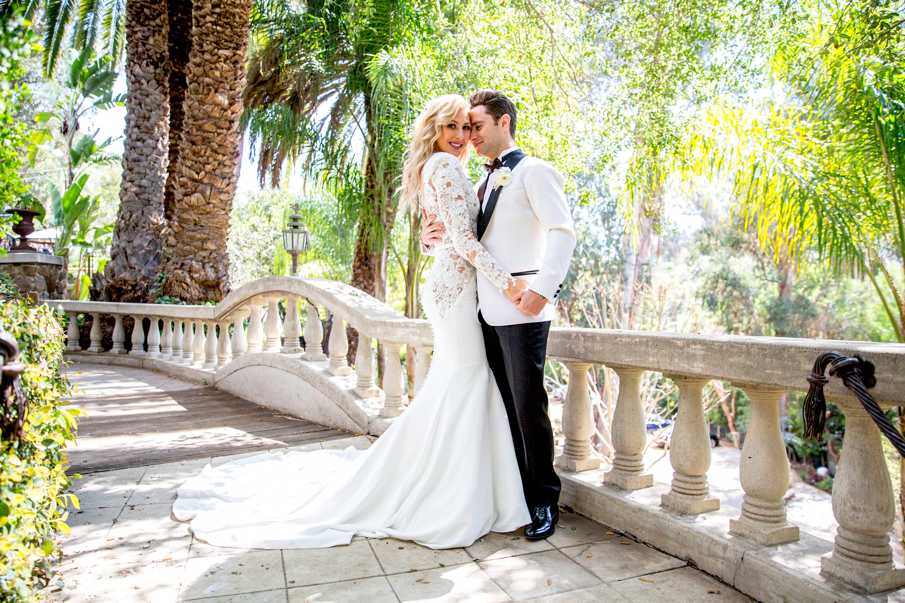 Lindsay Arnold Wedding.Dwts Pros Emma Slater And Sasha Farber S Wedding Video