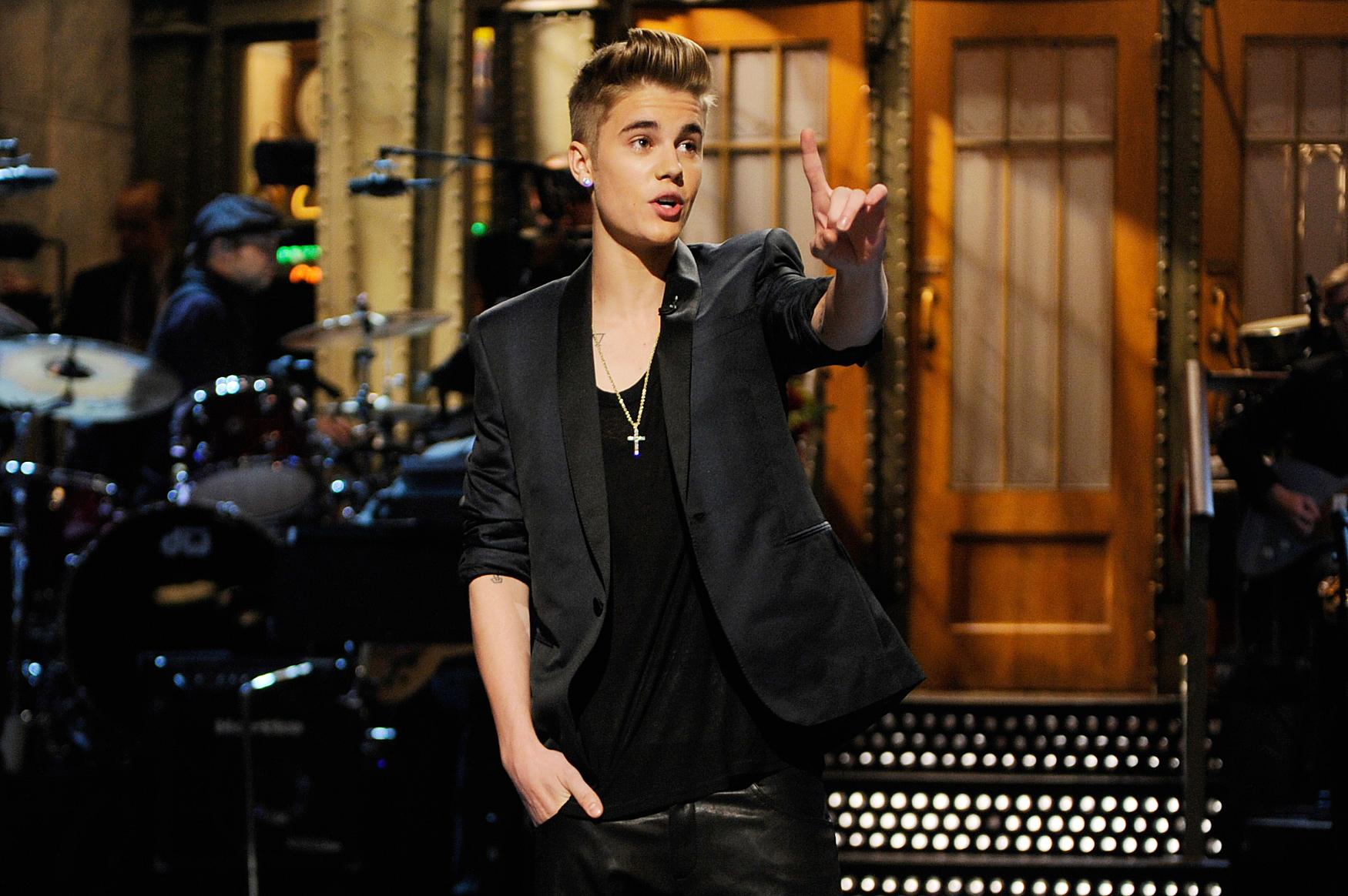 Bill Hader Says Justin Bieber Was the Worst SNL Host