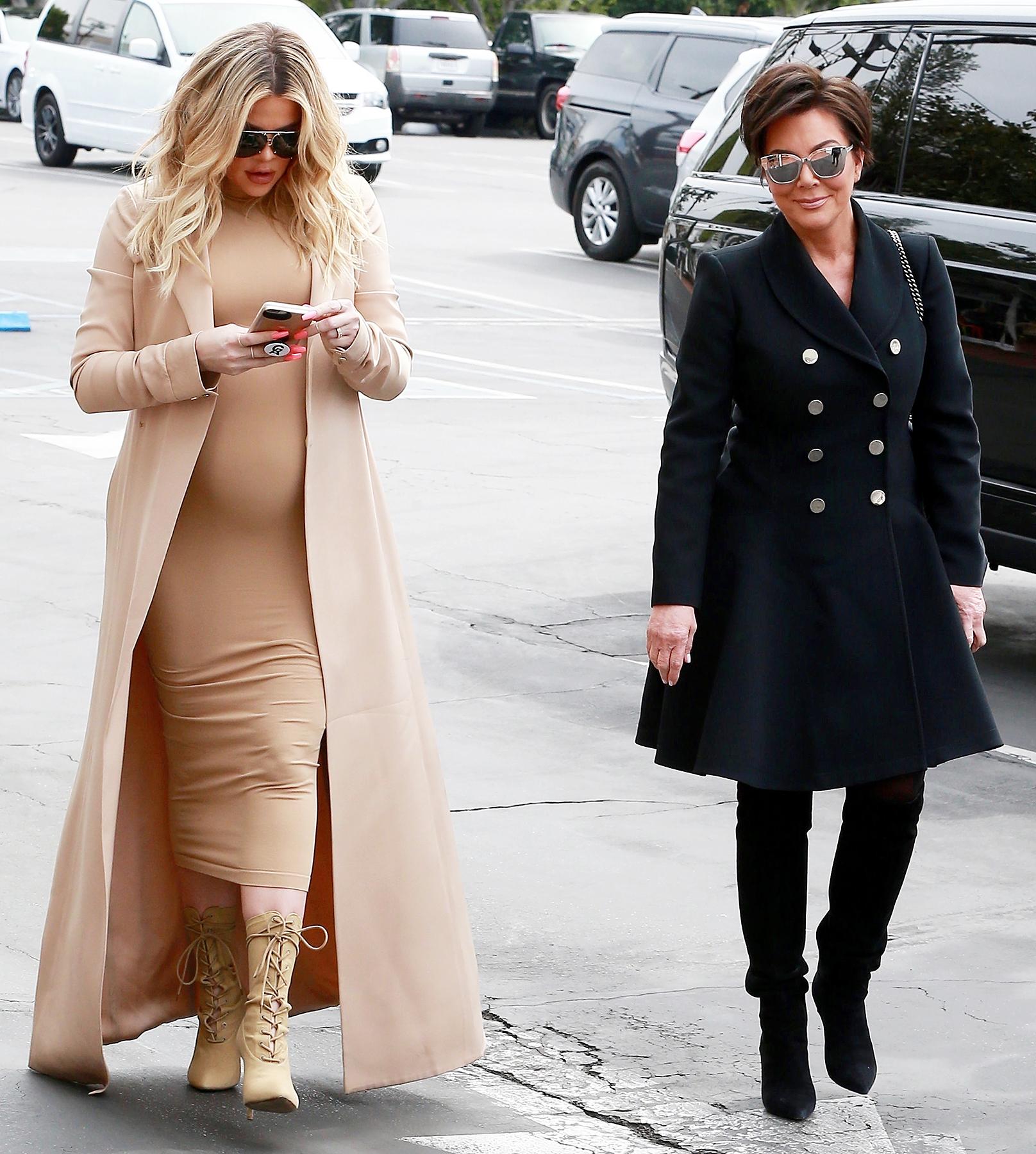 Pregnant Khloe Kardashian Shows f Baby Bump at 8 Months Pics