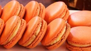 Cheeto macarons