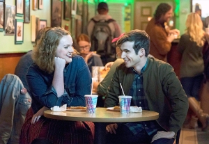 Shannon Purser as Anabelle and Ted Sutherland as Simon Saunders on 'Rise'