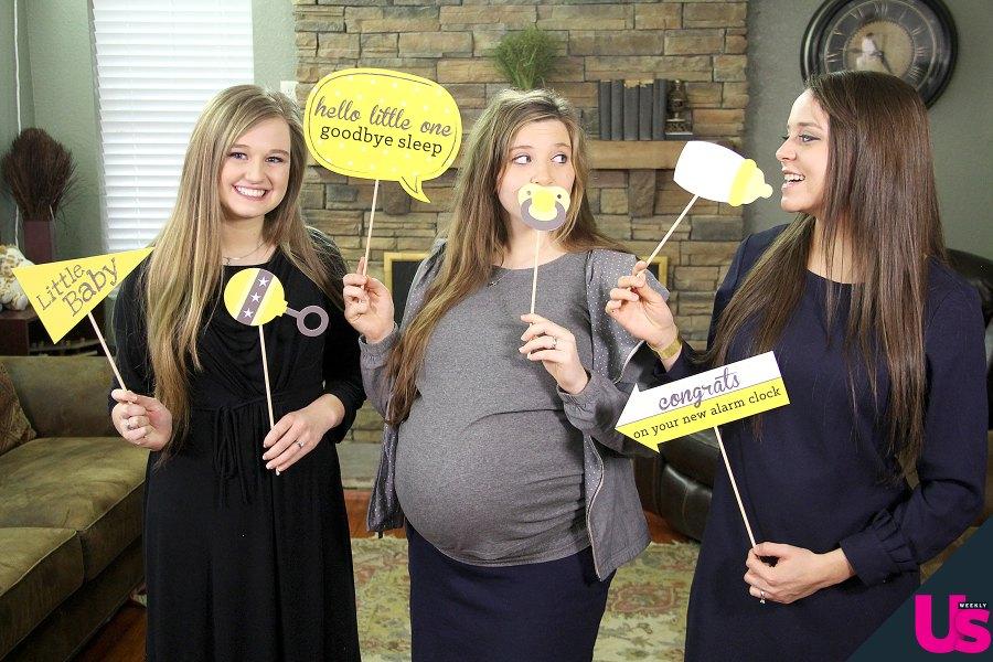 Pregnant-Joy-Jinger-Kendra-props Duggar