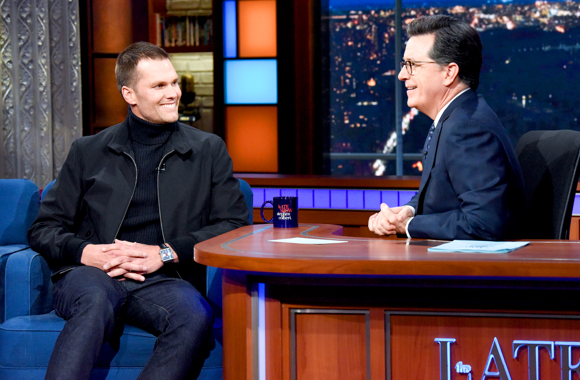 Tom Brady chug a beer like a champ on 'The Late Show'