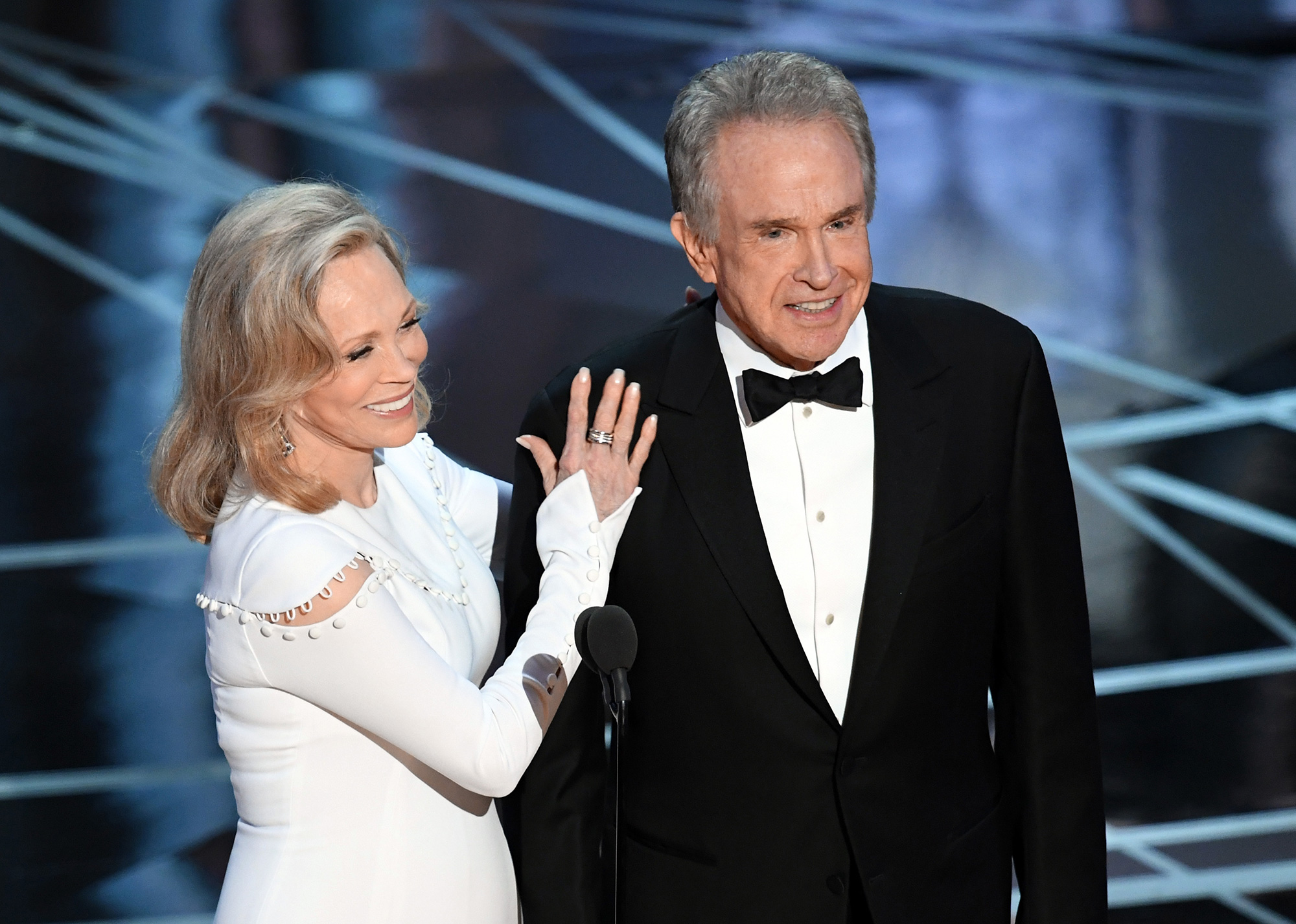 Warren Beatty and Faye Dunaway to announce Best Picture Oscar again
