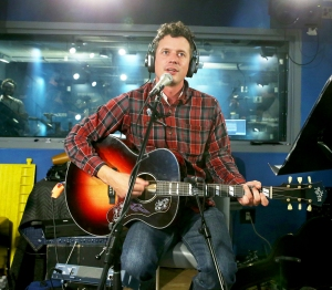 Evan Felker of Turnpike Troubadours performs at SiriusXM Studios on October 26, 2017 in New York City.