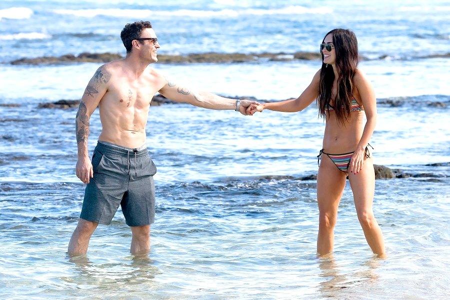 Brian-Austin-Green-and-Meghan-Fox-beach-bikini-Hawaii