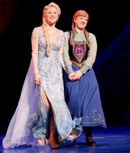 Caissie-Levy-as-'Elsa'-and-Patti-Murin-as-'Anna'