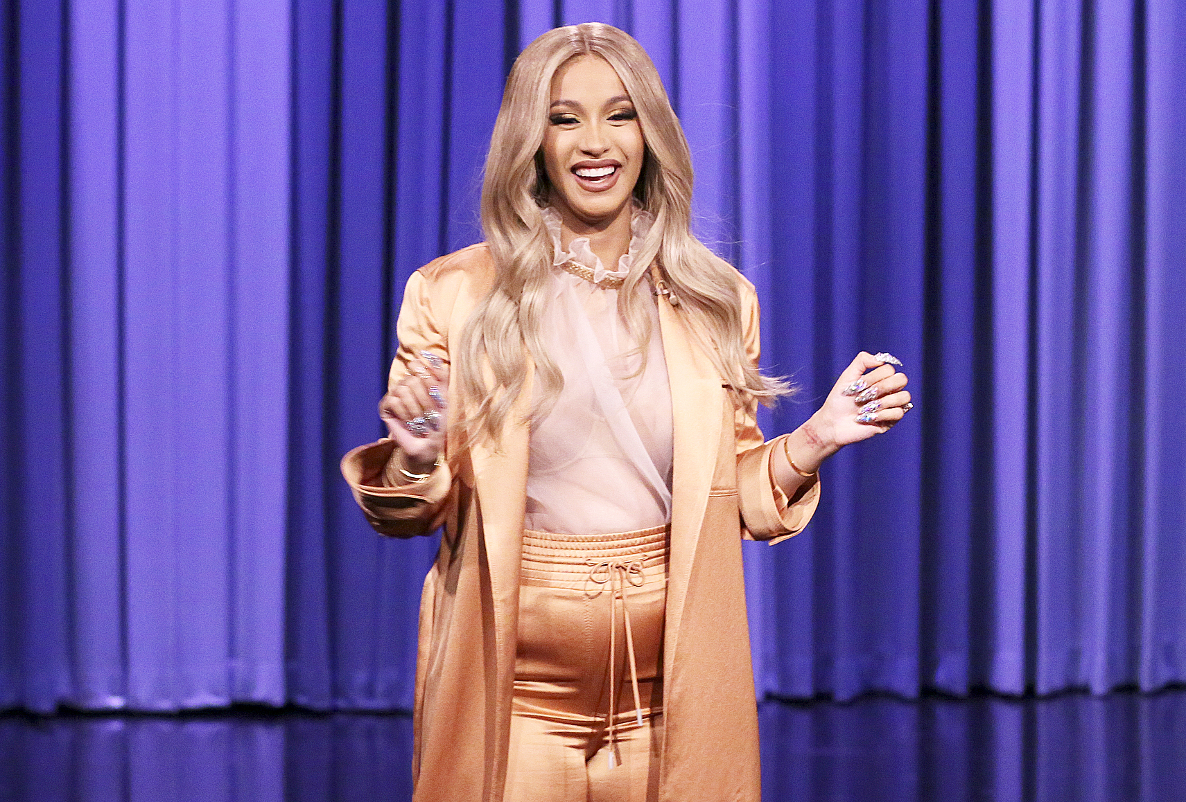 Pregnant Cardi B to Appear on Total Request Live Special