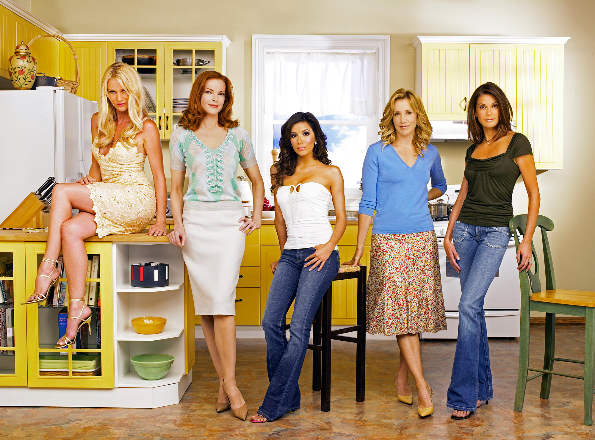 desperate housewives cast dating Watch video title: desperate housewives (2004–2012) 75 /10 want to share imdb's rating on your own site use the html below.