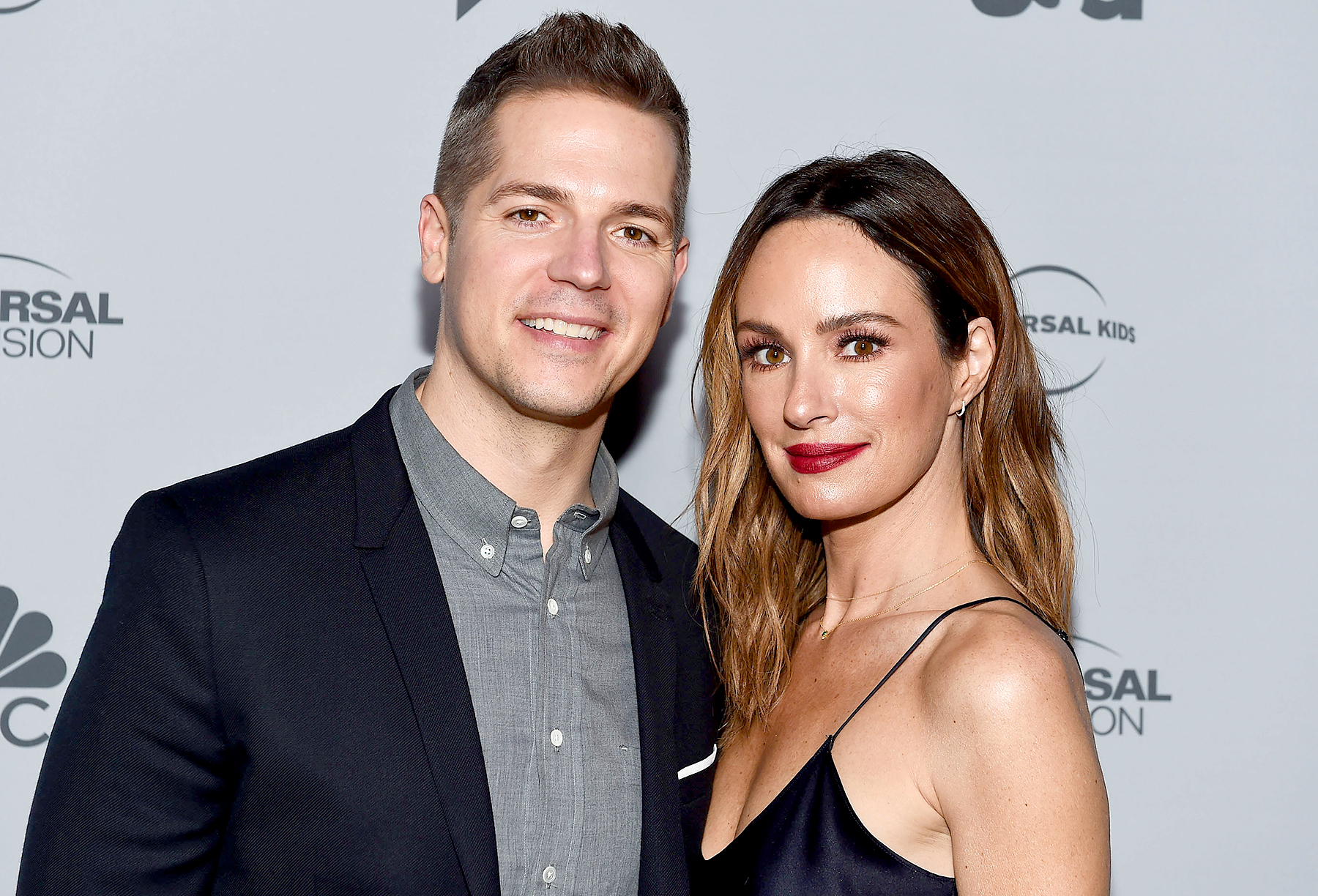 Jason-Kennedy-and-Catt-Sadler - Jason Kennedy and Catt Sadler arrive at NBCUniversal's Press Junket at Beauty & Essex on November 13, 2017 in Los Angeles, California.