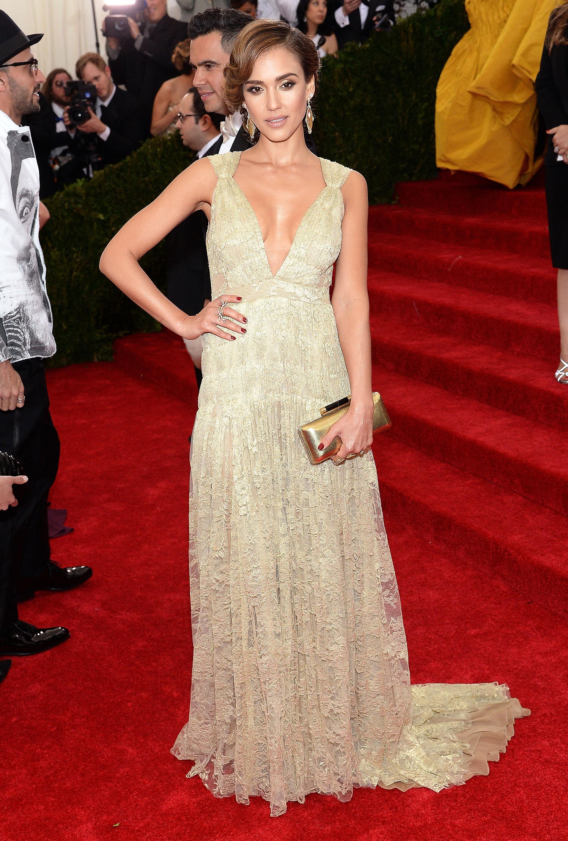 Jessica Alba s Best Red Carpet Dresses Fashion Moments