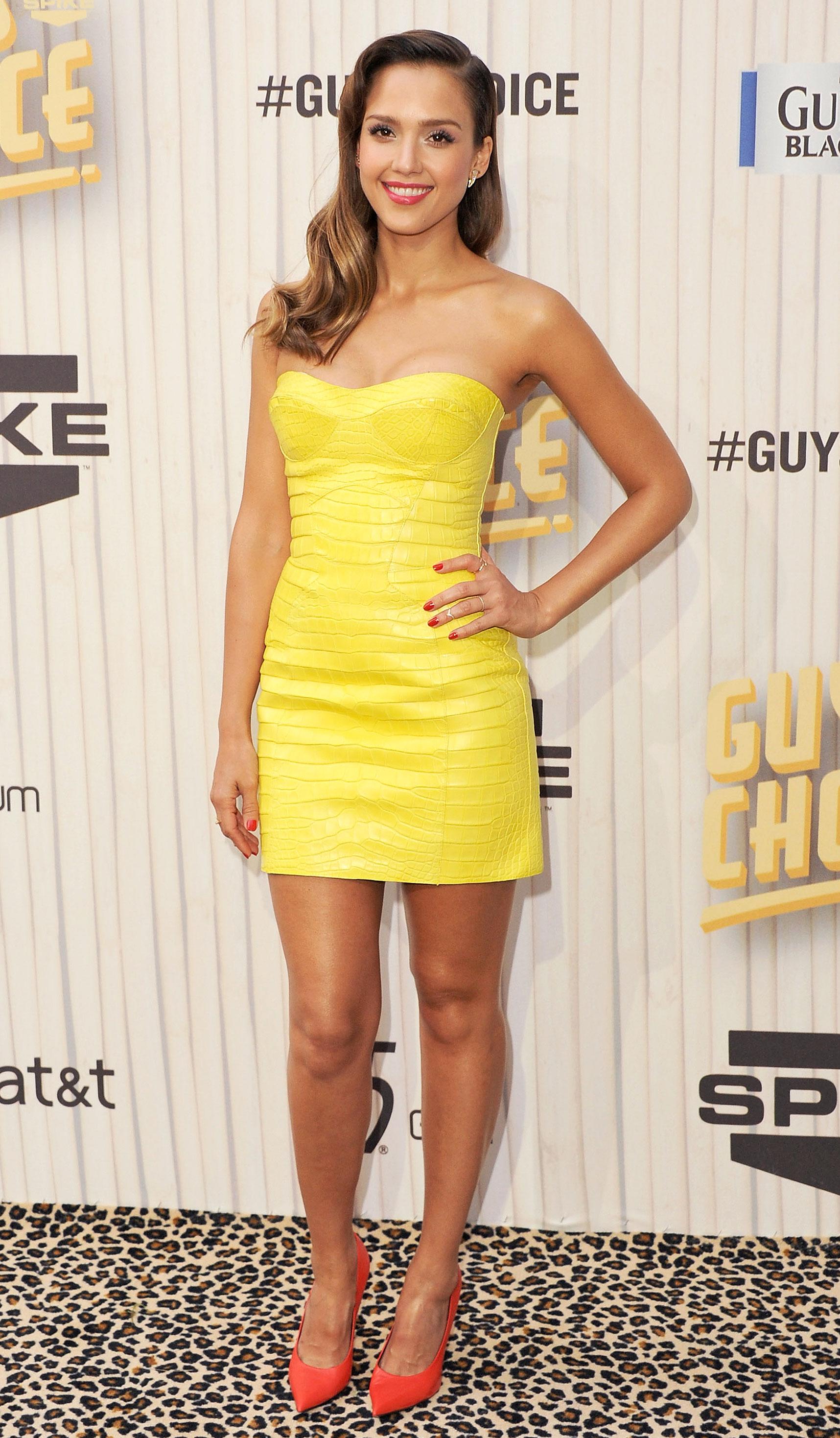 c842c2040973 Jessica Alba s Best Red Carpet Dresses