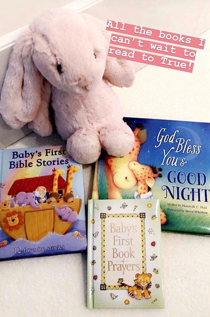 khloe-kardashian-baby-books