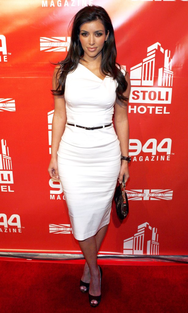 Meghan Markle Wears Black Halo Jackie O Belted Dress Details