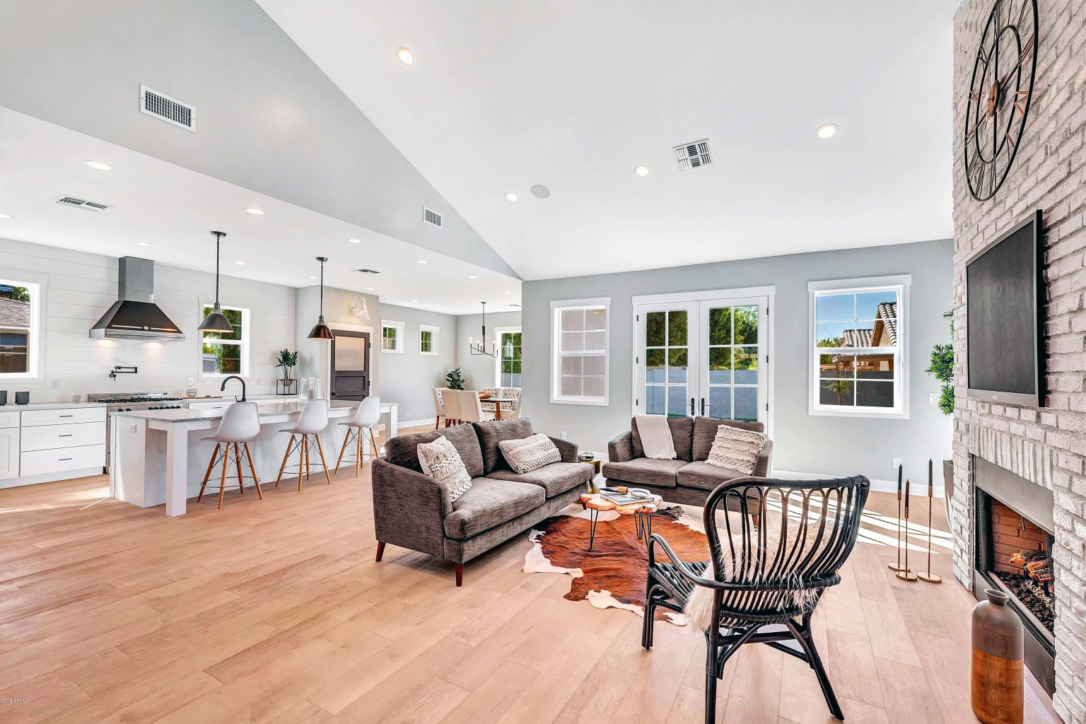 Lauren Burnham Arie Luyendyk Jr First Home Living Room