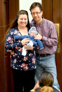 lindo-wing-newborn-couple