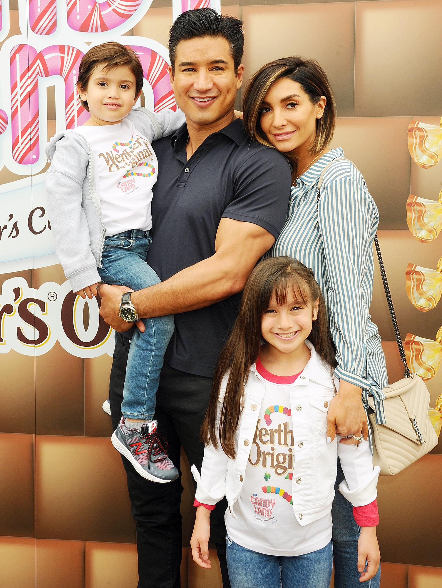 Mario Lopez family