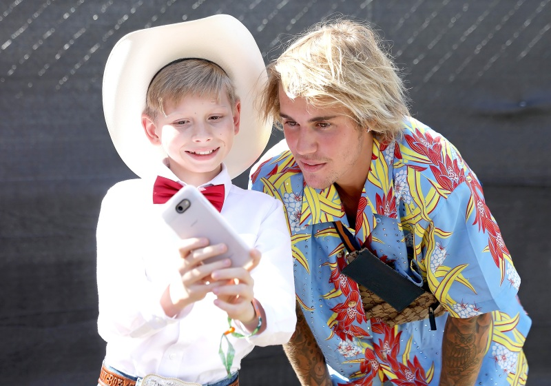 Mason-Ramsey-Walmart-Yodeling-Boy-Justin-Bieber-Coachella