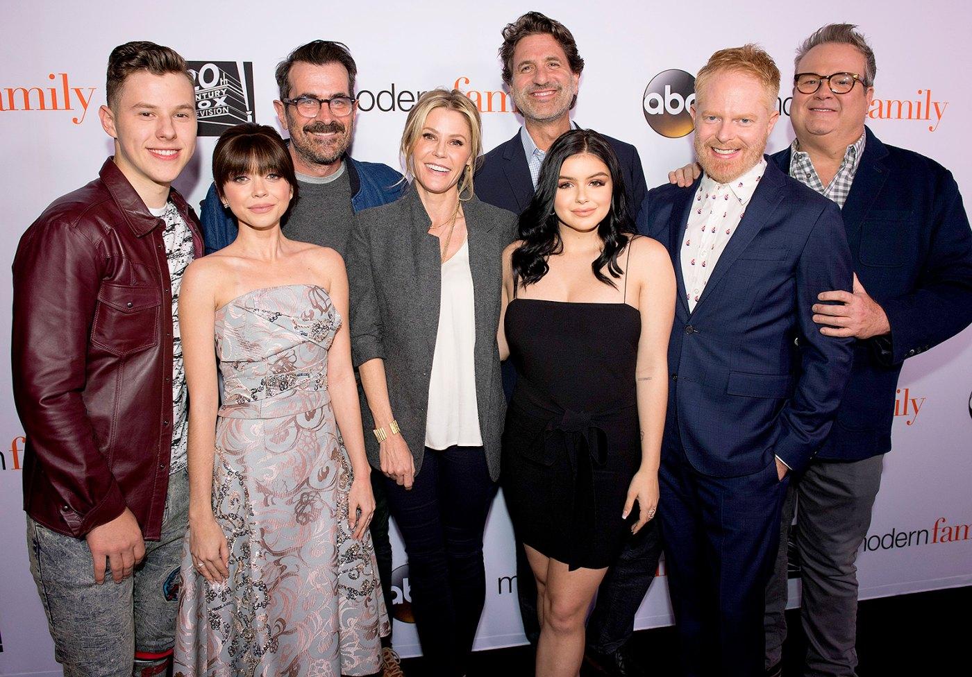 Modern Familys Julie Bowen worships Sofia Vergara