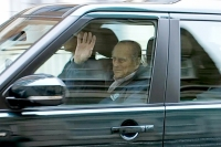 prince-phillip-departs-hospital