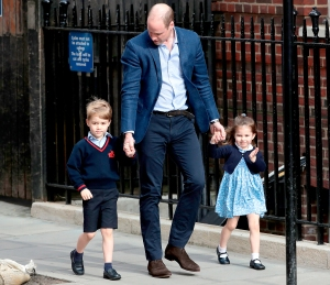 princess-charlotte-prince-george-william-arrive-at-hospital