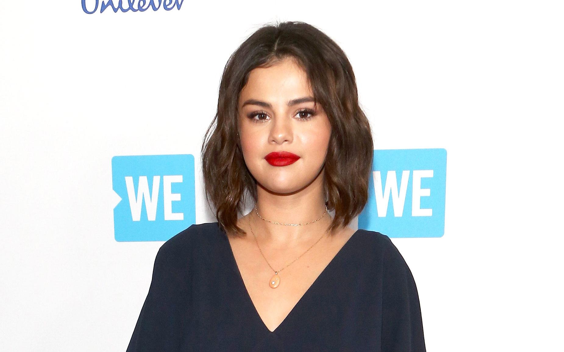 Selena Gomezs New Bangs And Bob Haircut Pics