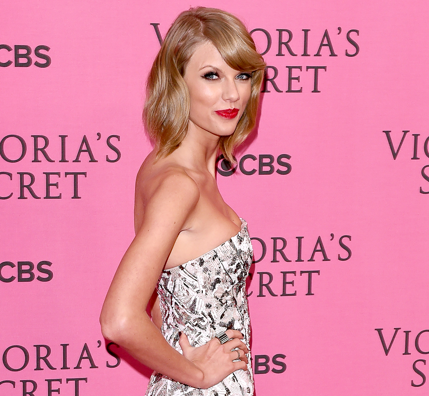 Taylor Swift joins Sugarland on break-up single