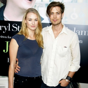 """Yvonne Strahovski and Tim Loden arrive at The """"Julie & Julia"""" Premiere at Mann Village Theatre on July 27, 2009 in Westwood, Los Angeles, California."""