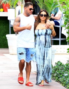 Ronnie Ortiz-Magro and Jen Harley step out in Miami, Florida on February 2, 2018.