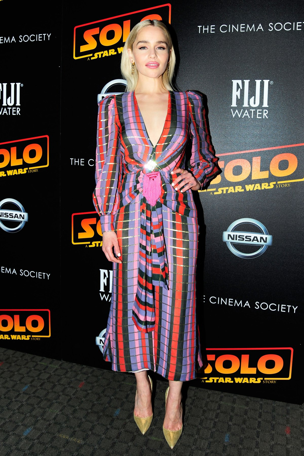 Emilia Clarke S Best Dresses And Outfits Pics
