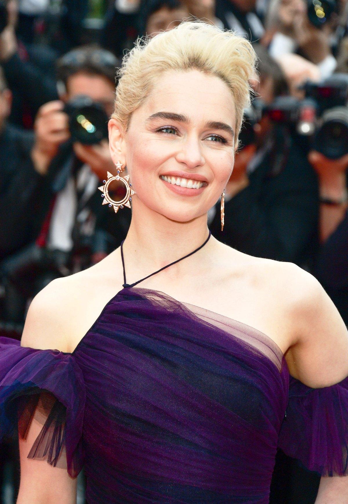 Emilia Clarkes Best Dresses And Outfits Pics