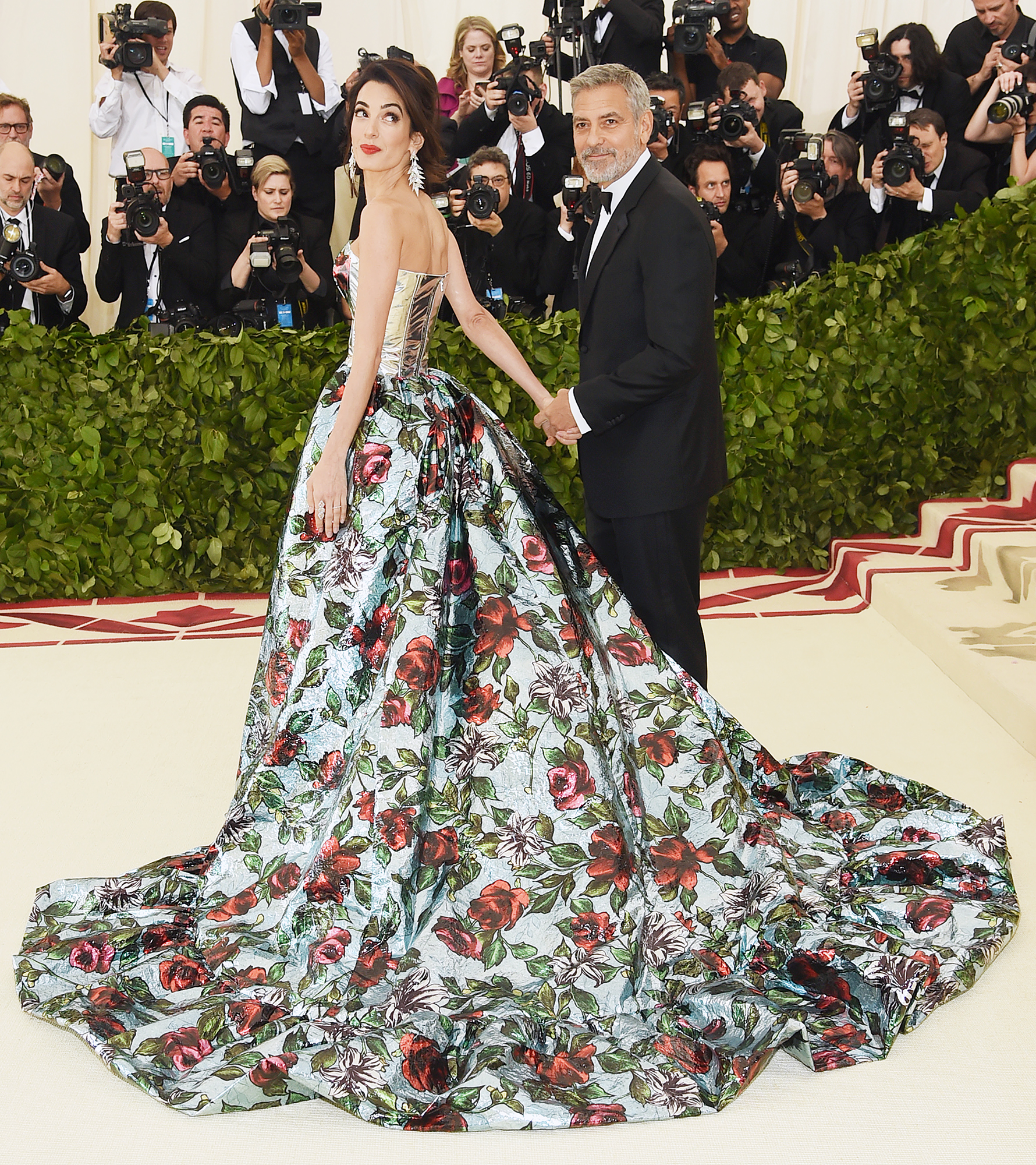 066e5cd6 George and Amal at Met Gala