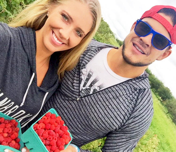 Zach and jenna the challenge dating services