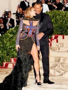 Jennifer-Lopez-and-Alex-Rodriguez