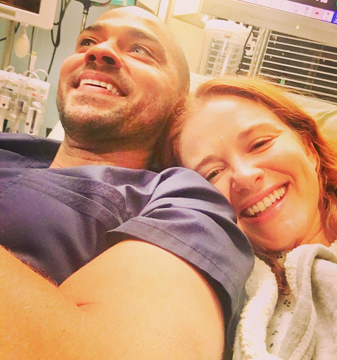 "Jesse Williams Sarah Drew Grey's Anatomy - Both Williams, 36, and Drew shared selfies together, with him writing, ""Please don't go."""