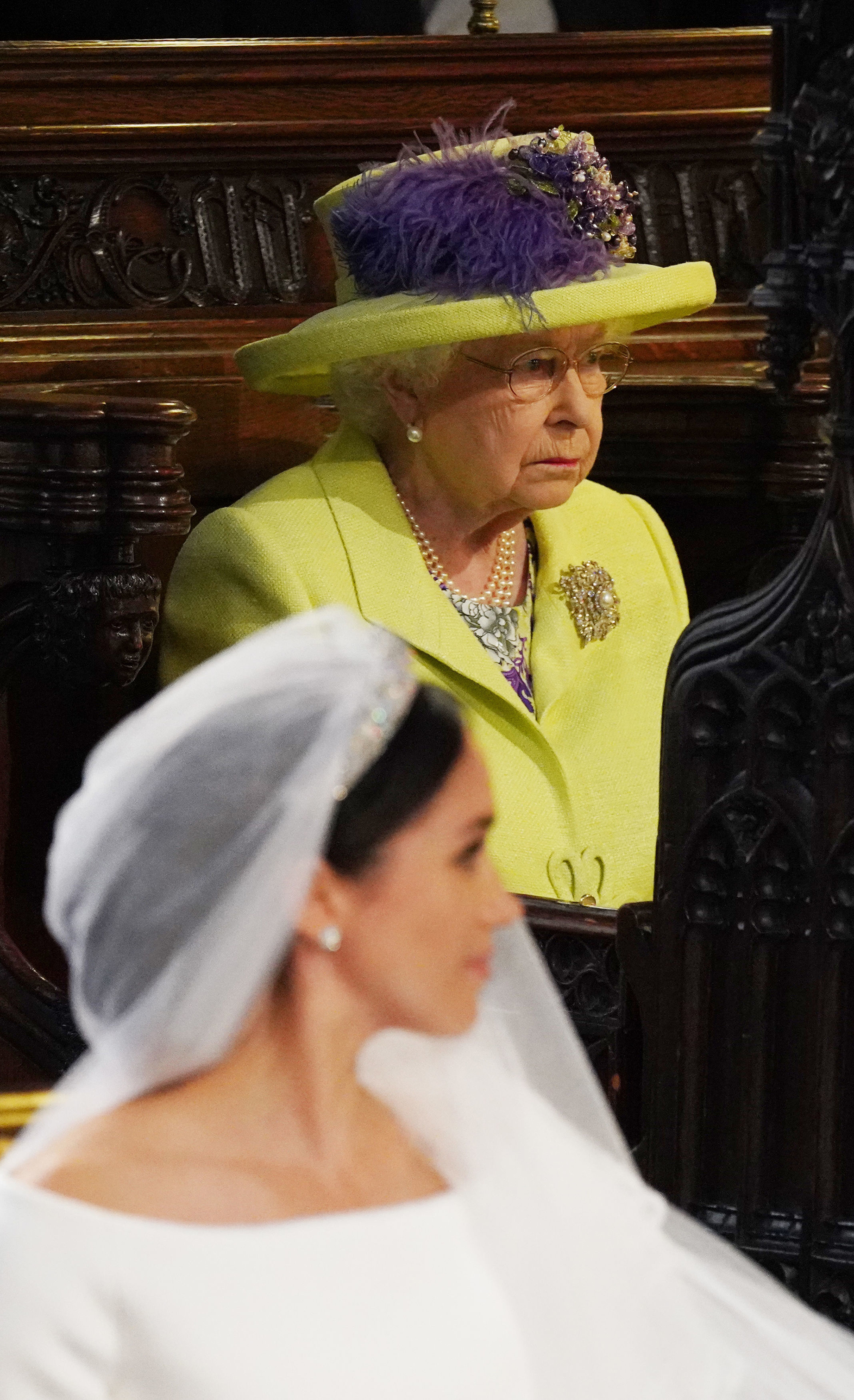 Queen Elizabeth removed the photo of Megan Markle from the place of honor where it stood for only a week 68