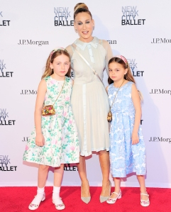 Sarah-Jessica-Parker-and-daughters