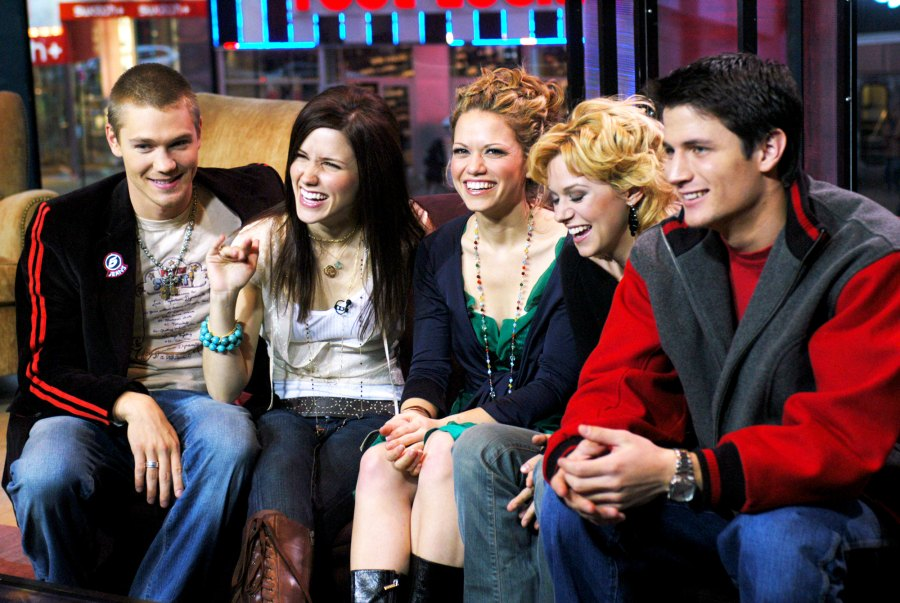 One Tree Hill Cast Then And Now