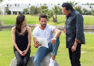 Becca Kufrin, Chris R. and Wayne Newton in 'The Bachelorette'