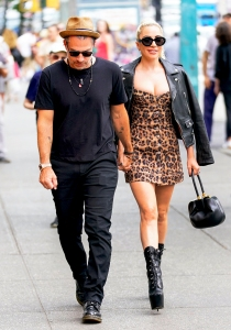 d542c902f7553d Lady Gaga and Christian Carino walk to her studio on June 28