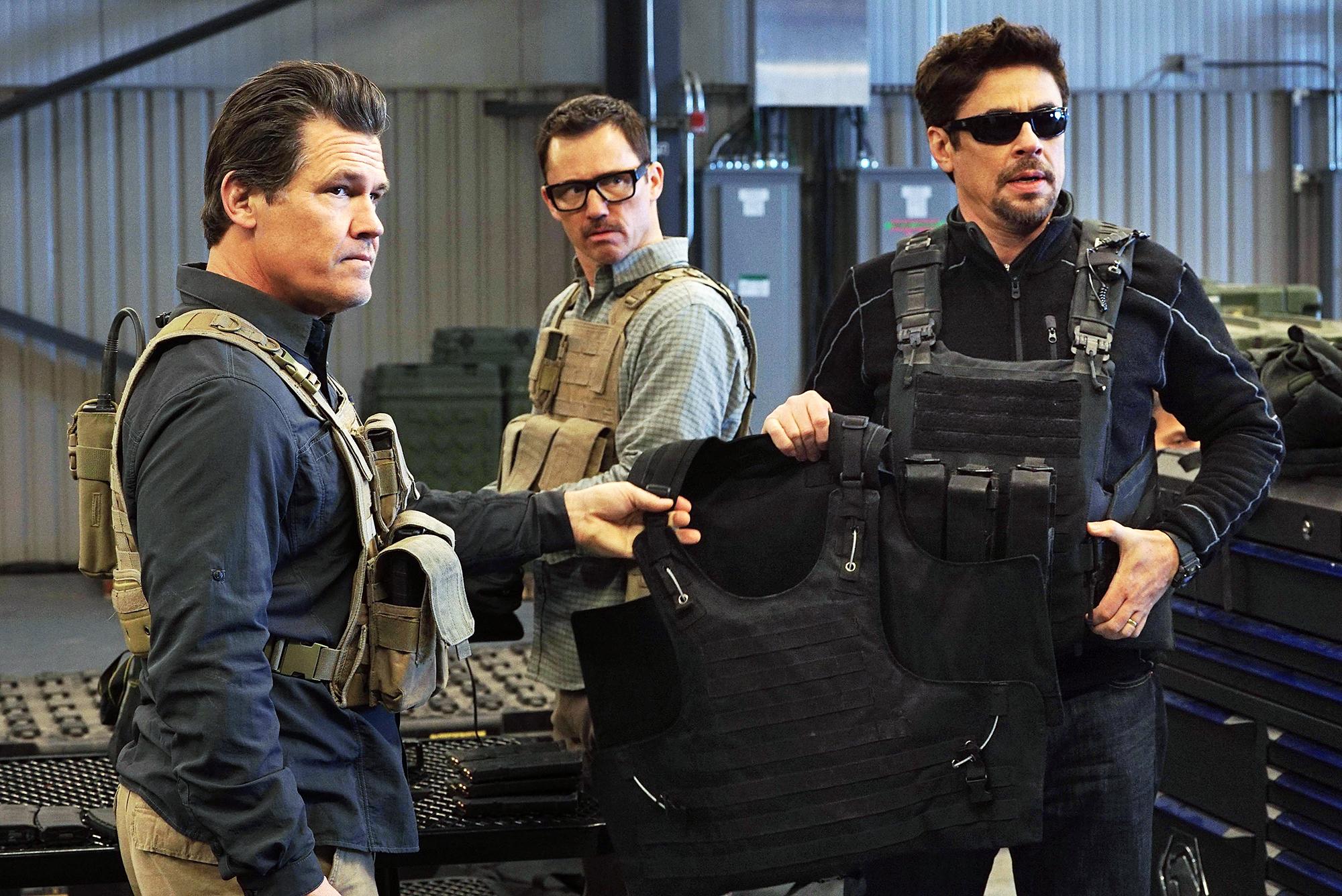 Josh Brolin Jeffrey Donovan Benicio Del Toro Sicario Day of the Solda - Josh Brolin, Jeffrey Donovan and Benicio Del Toro in 'Sicario: Day of the Soldad.