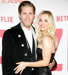 Kaley-Cuoco-Marries-Karl-Cook