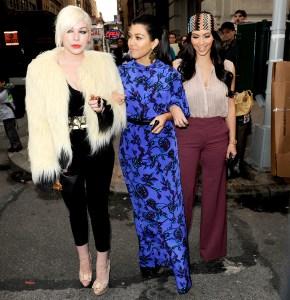 Kim-Kardashian,-Kourtney-Kardashian,-Joyce-Bonelli