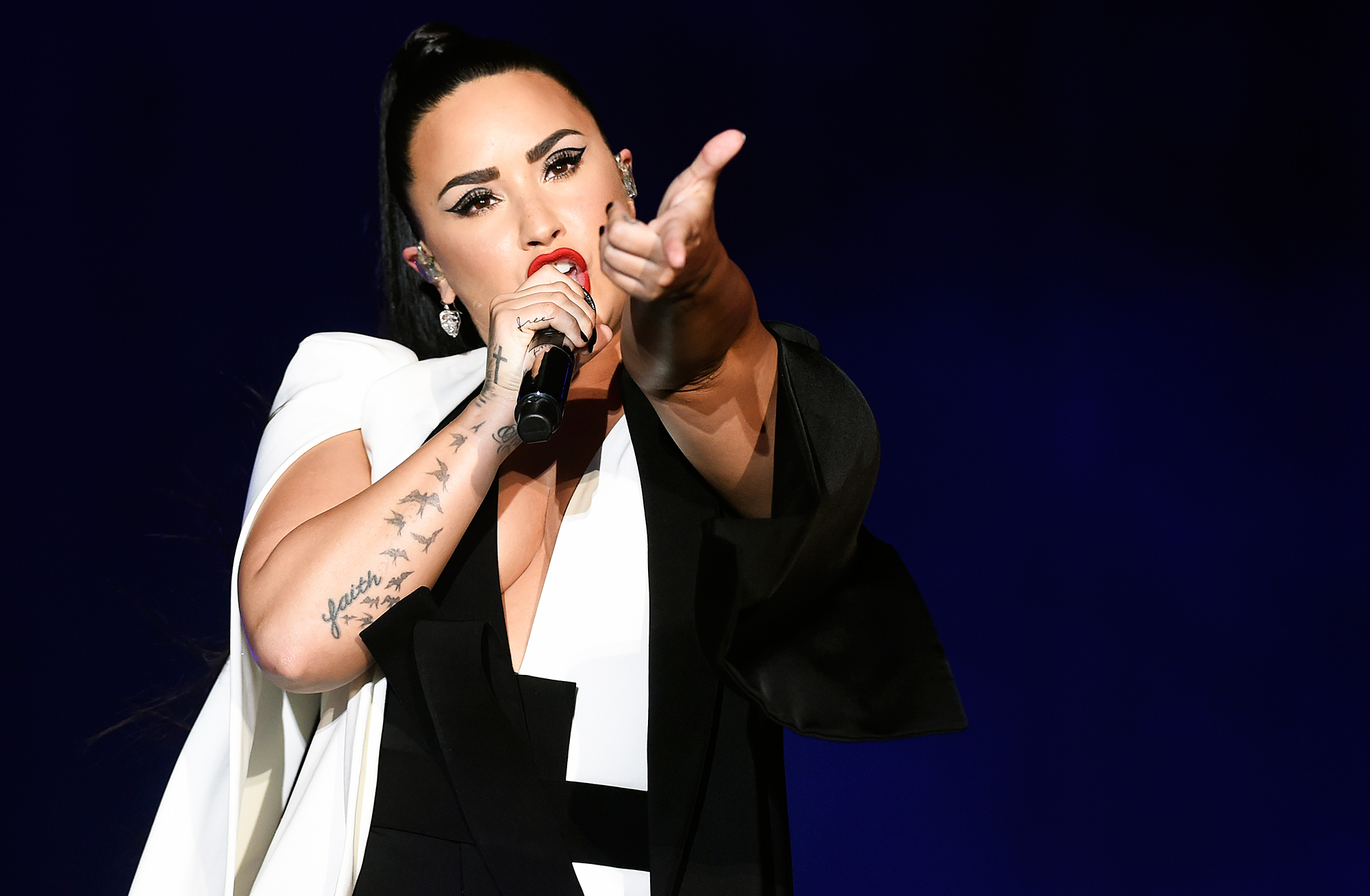 Demi Lovato 'Felt Terrible' & 'Really Depressed' About Disappointing Fans Following Relapse