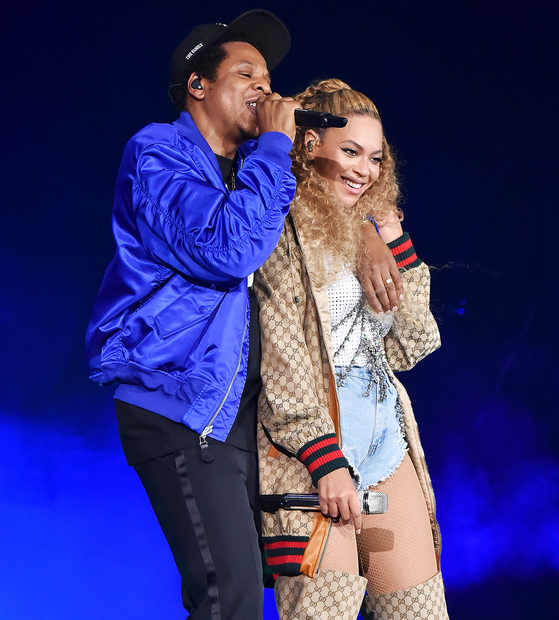 beyonce and jay z feature twins rumi and sir in tour video. Black Bedroom Furniture Sets. Home Design Ideas