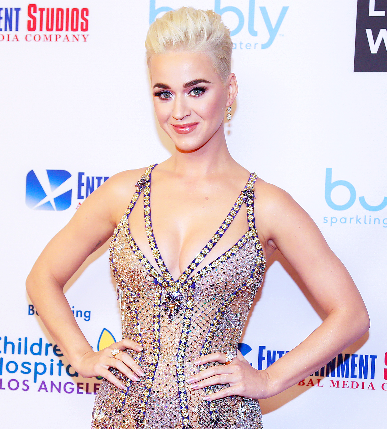 Katy perry cant get a reservation so eats taco bell instead m4hsunfo