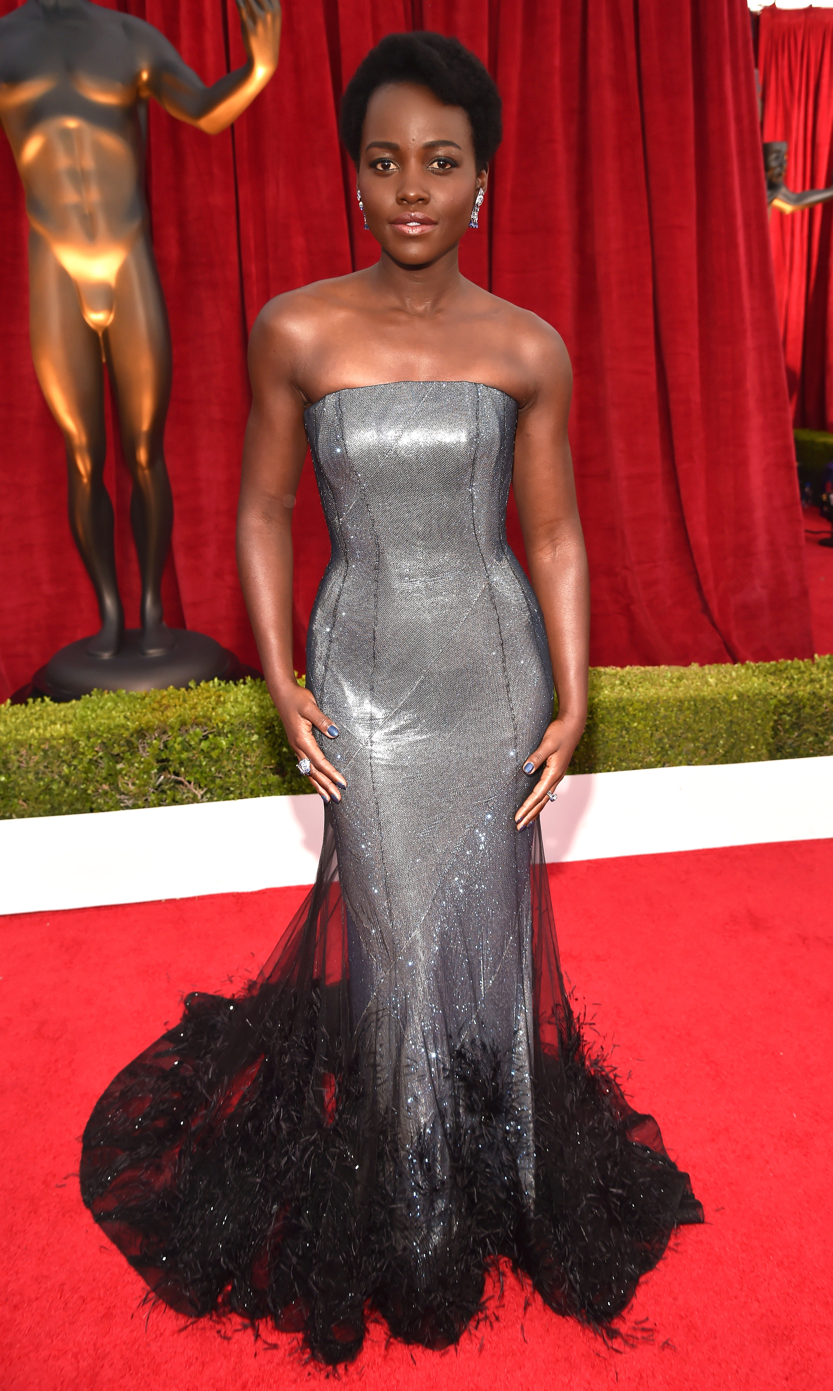 Celebrities in Silver Dresses: Jennifer