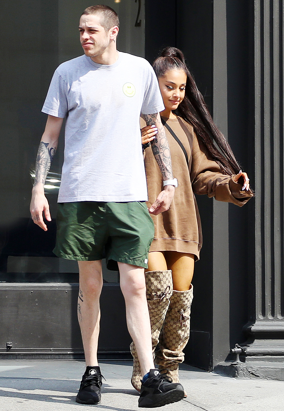 Ariana and Pete Furniture Shop One Week After Engagement News