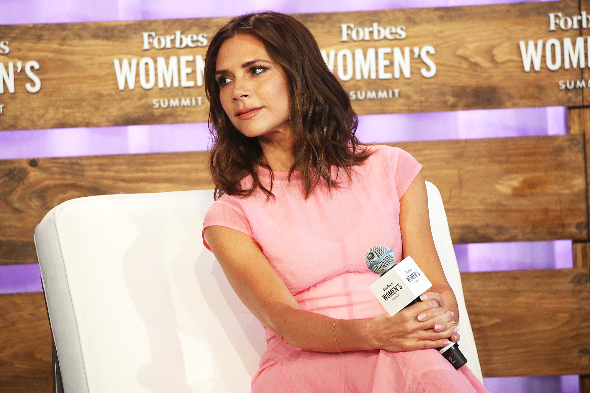 Victoria Beckham Says She\'s \'Trying to Be the Best Wife\' Amid Split ...
