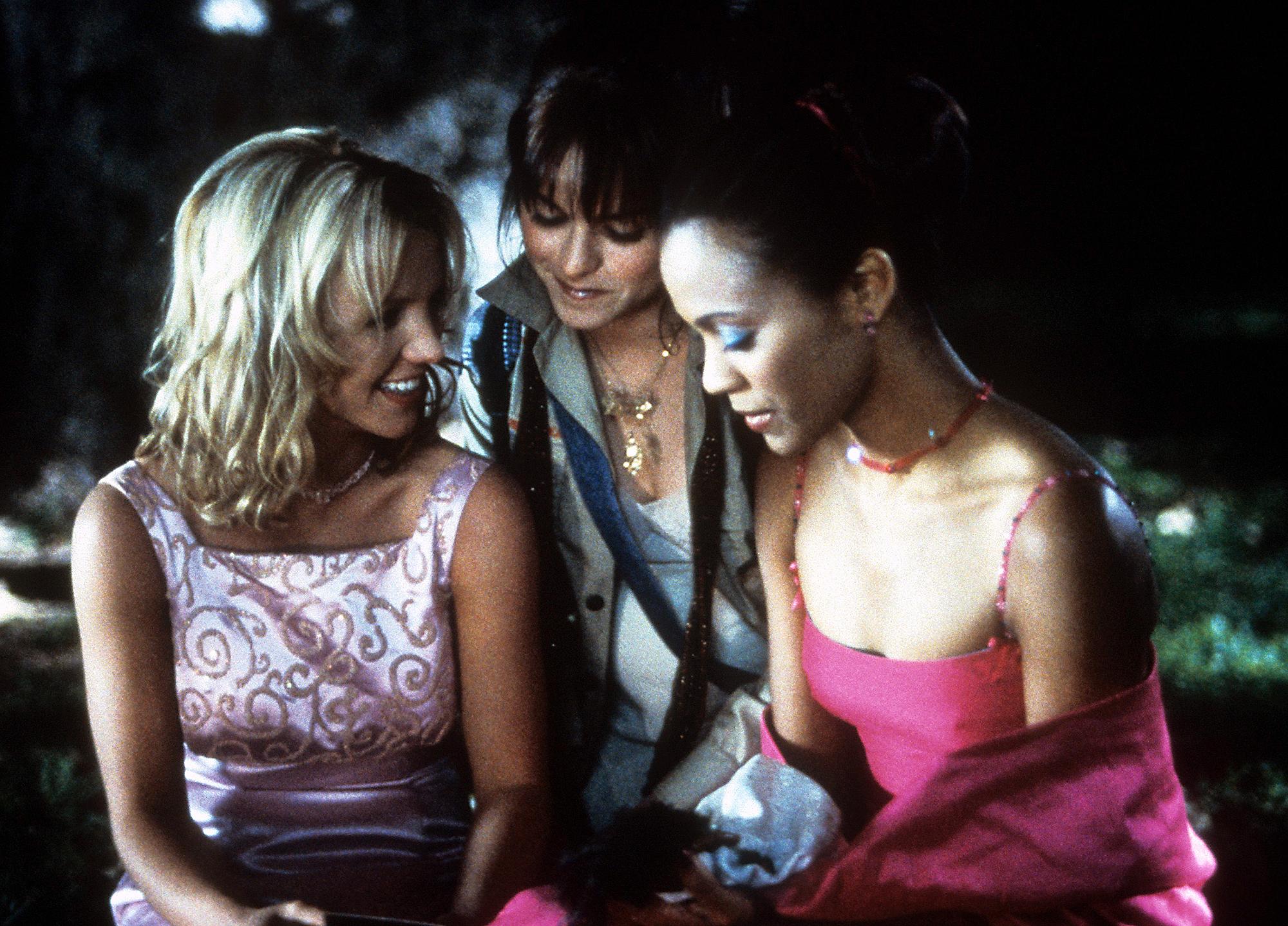 Britney Spears Taryn Manning Zoe Saldana Crossroads